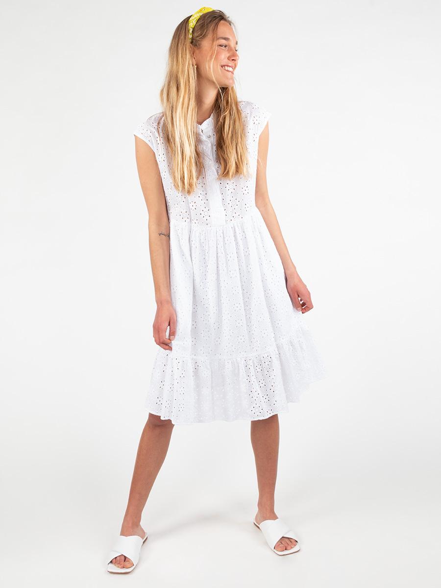 Kleid weiß mit Lcohmuster von La Camicia